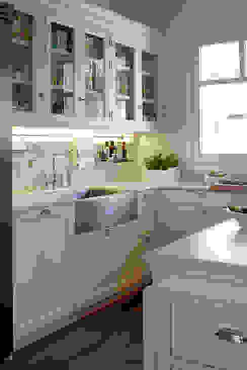 Cozinhas modernas por DEULONDER arquitectura domestica Moderno