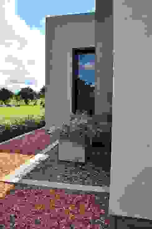 Jardins modernos por binomio Moderno