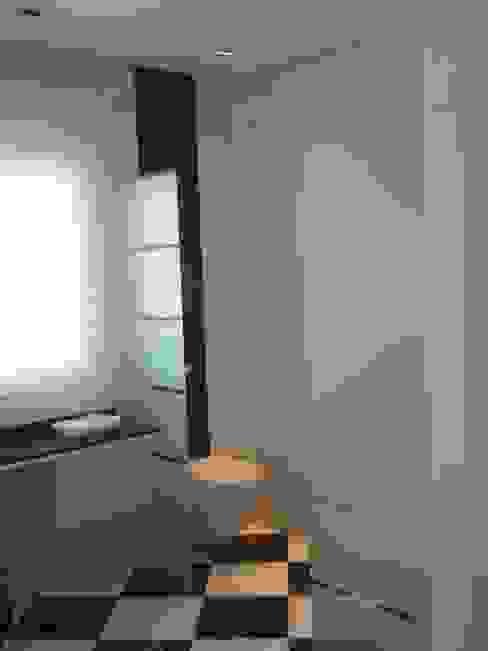 Badkamer door UAArquitectos,