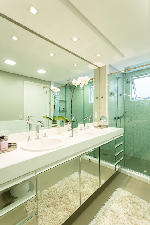 KARINA KOETZLER arquitetura e interiores Modern bathroom