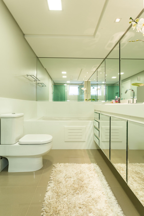 Casas de banho modernas por KARINA KOETZLER arquitetura e interiores Moderno