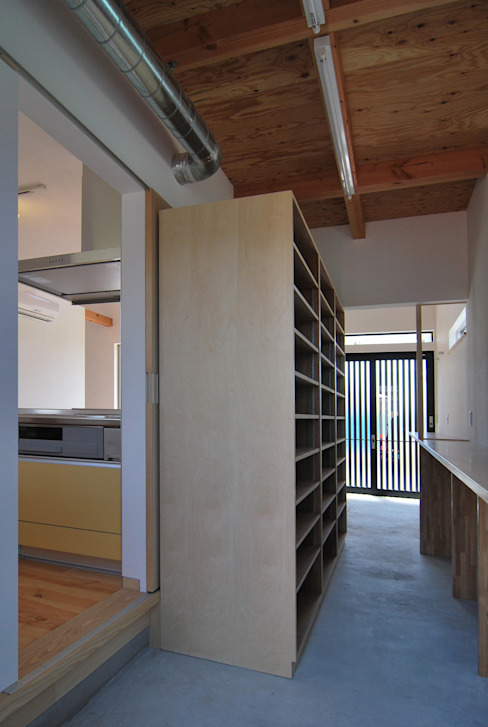 原 空間工作所 HARA Urban Space Factory Garage/Rimessa in stile moderno Legno