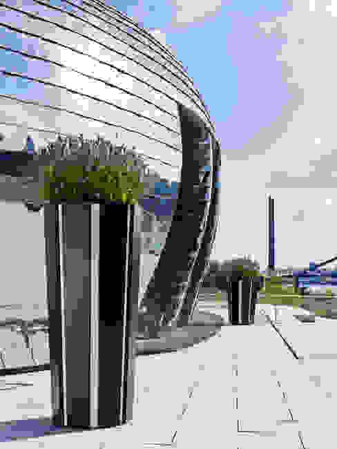 de estilo  por Vue Jardin, Moderno Aluminio/Cinc