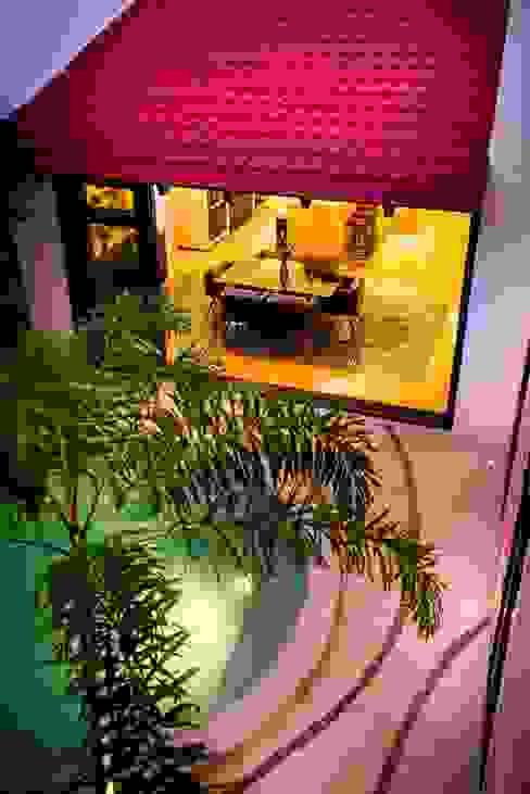 Patio Rosado Piscinas de estilo moderno de Taller Estilo Arquitectura Moderno