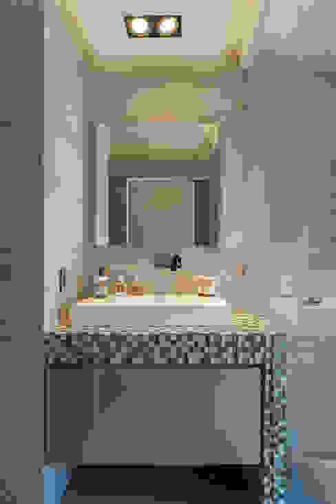 DEPARTAMENTO EN BOSQUE REAL Baños modernos de HO arquitectura de interiores Moderno
