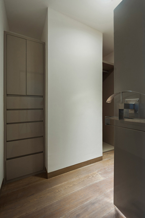 Dressing room by HO arquitectura de interiores