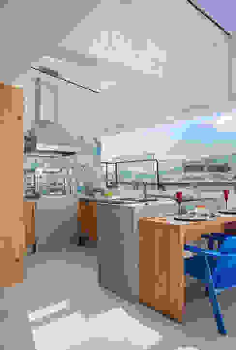 Patios by Ana Adriano Design de Interiores, Tropical Granite