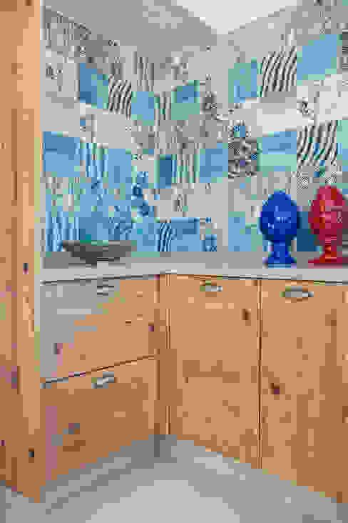 Ana Adriano Design de Interiores Kamar Mandi Tropis Kayu Wood effect