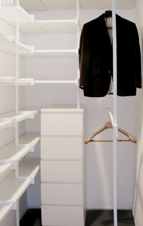 Minimalist dressing room by na3 - studio di architettura Minimalist Iron/Steel