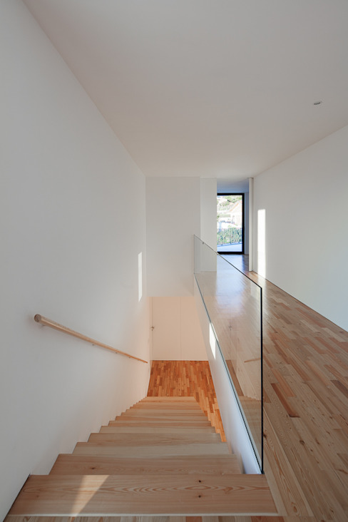 Balcones y terrazas modernos de PEDROHENRIQUE|ARQUITETO Moderno