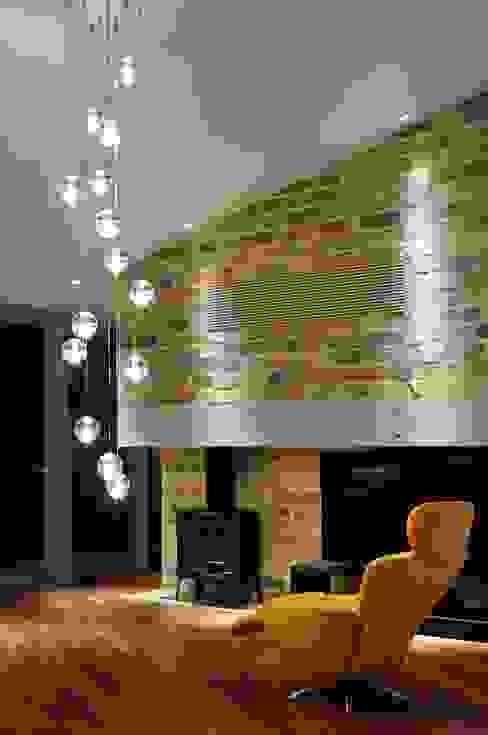 现代客厅設計點子、靈感 & 圖片 根據 Mアーキテクツ|高級邸宅 豪邸 注文住宅 別荘建築 LUXURY HOUSES | M-architects 現代風