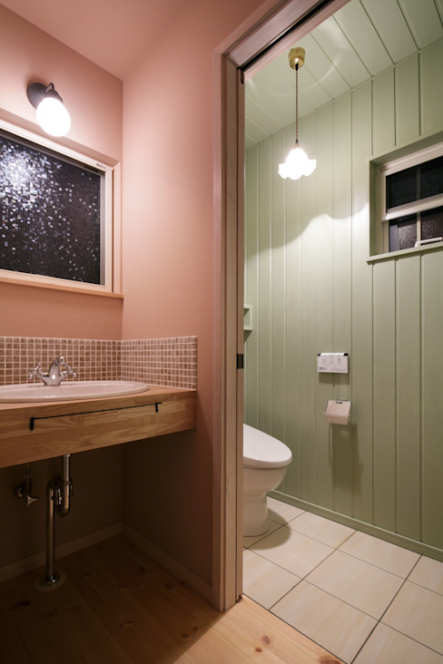 U's HOUSE 北欧スタイルの お風呂・バスルーム の dwarf 北欧