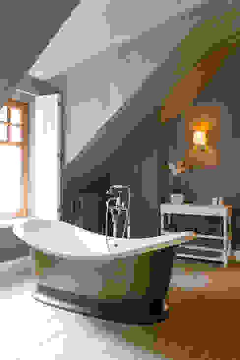Kenny&Mason Bathrooms:  Badkamer door Kenny&Mason, Landelijk