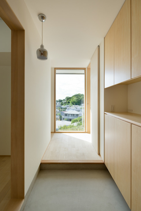 市原忍建築設計事務所 / Shinobu Ichihara Architects Scandinavian corridor, hallway & stairs Wood Wood effect