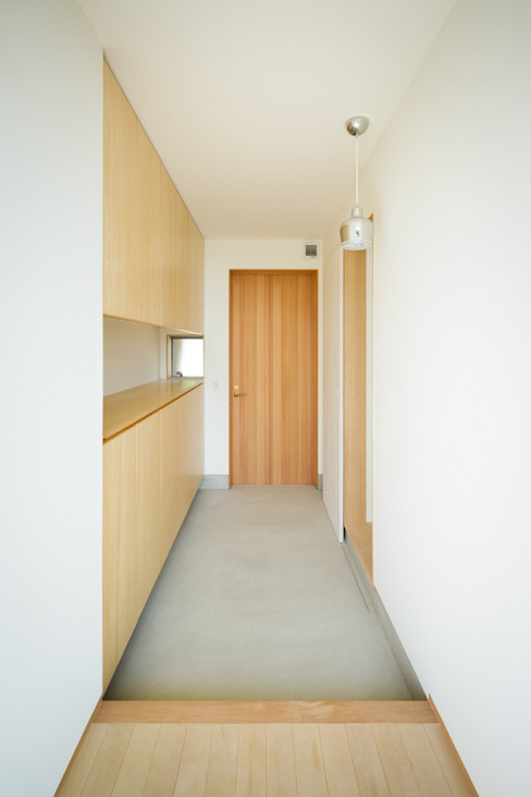 市原忍建築設計事務所 / Shinobu Ichihara Architects Scandinavian style corridor, hallway& stairs Wood Wood effect