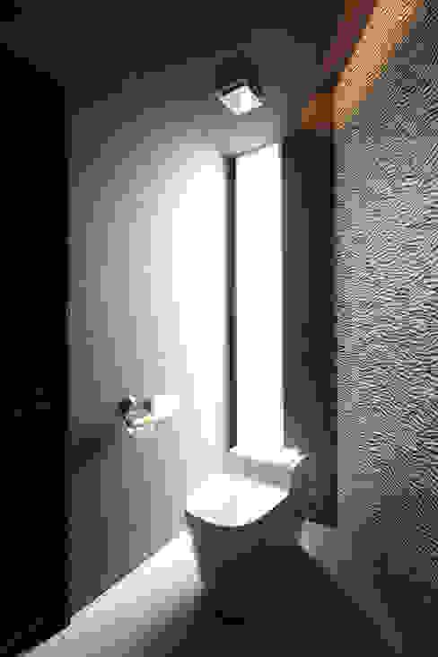 トイレ クラシックスタイルの お風呂・バスルーム の atelier m クラシック