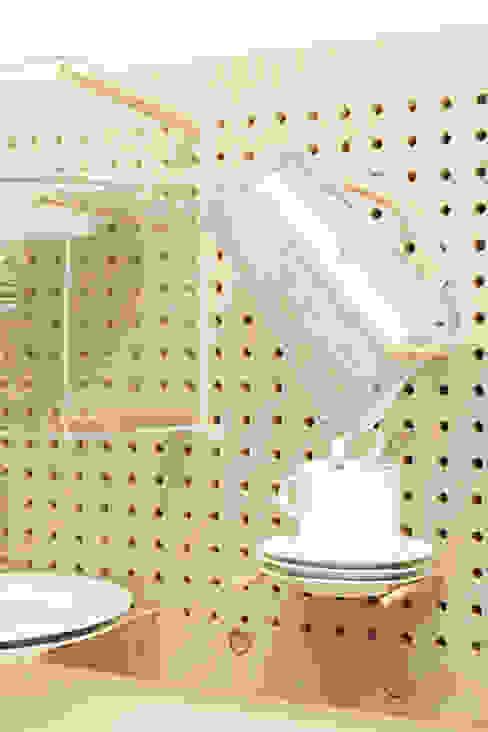 Geschirrmöbel: modern  von Pühringer GmbH Co KG, Möbellinie,Modern Holz Holznachbildung