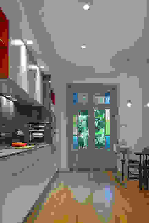 Кухня в стиле модерн от Tymeno Модерн
