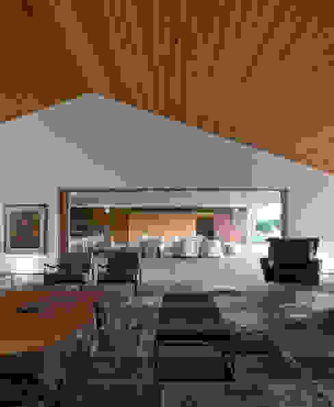 Salas de estar  por Studio MK27, Moderno