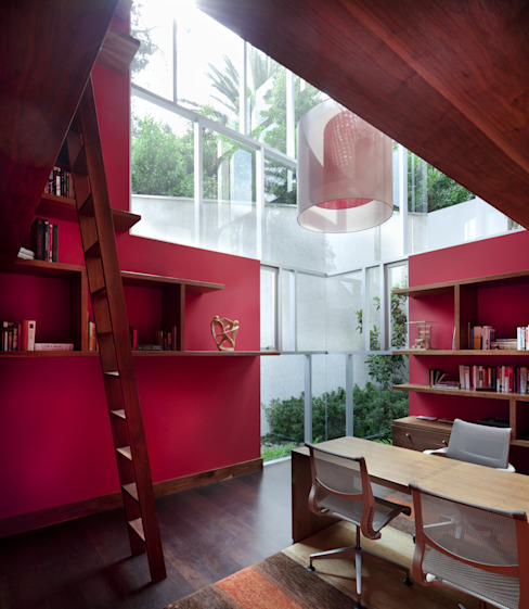 Dining room by Pascal Arquitectos,