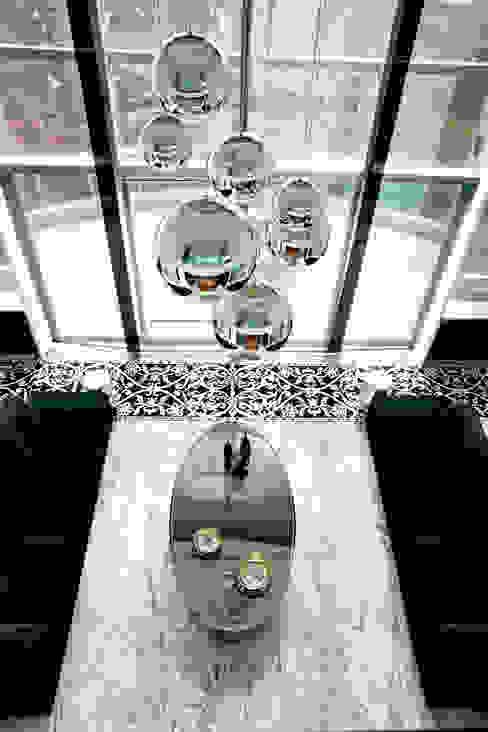 Brunete Fraccaroli Arquitetura e Interiores:  tarz Oturma Odası, Klasik