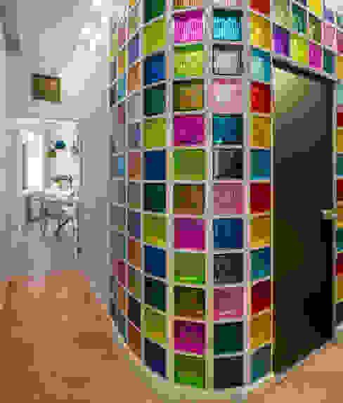 Спасский Лофт Коридор, прихожая и лестница в стиле лофт от Дизайн-студия 'Вердиз' Лофт
