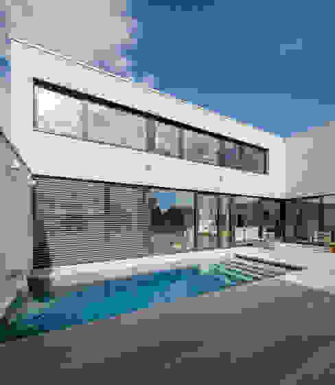 Einfamilienhaus FR12 im Grossraum Stuttgart Moderne Häuser von Schiller Architektur BDA Modern
