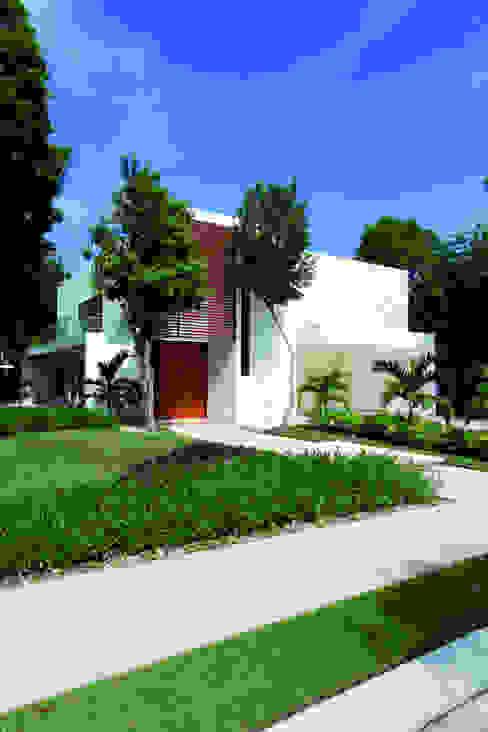 Casa T Casas modernas de Enrique Cabrera Arquitecto Moderno