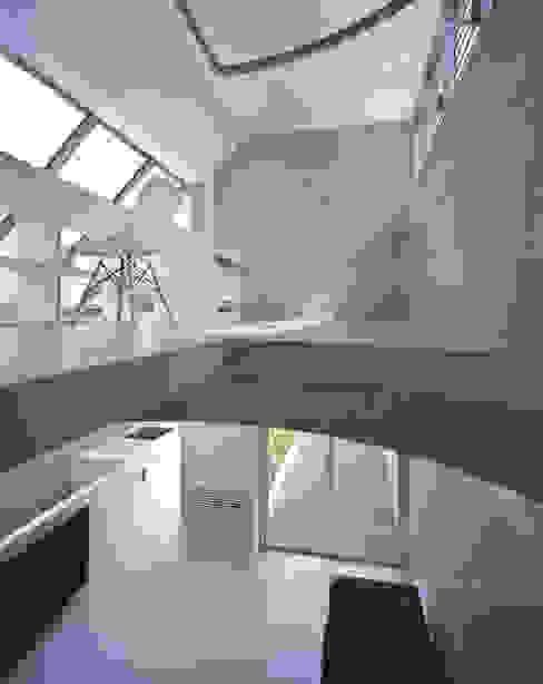根據 宮崎仁志建築設計事務所 現代風