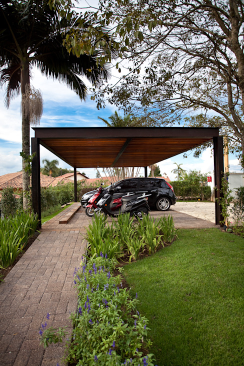 Garage/shed by M.Lisboa Arquitetura e Interiores,