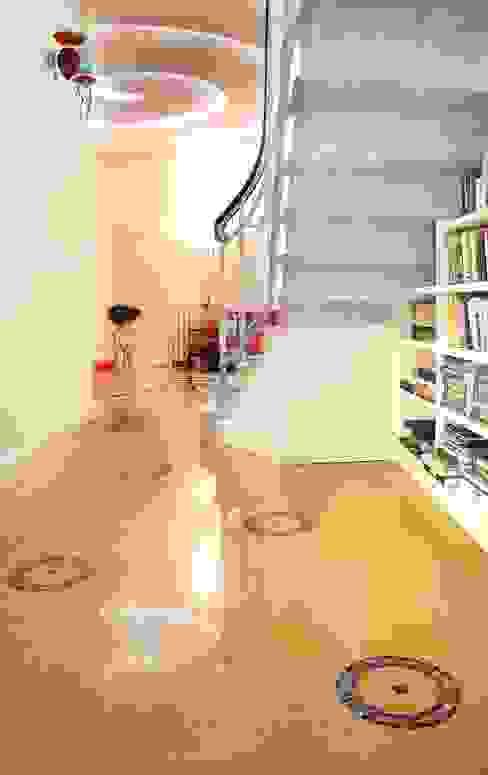 클래식스타일 벽지 & 바닥 by vigo mosaici s.n.c 클래식