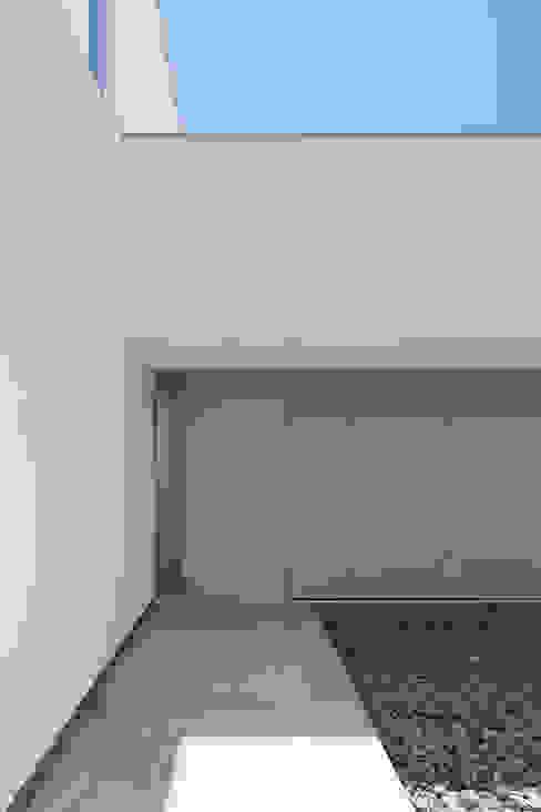 ループ&ループ モダンな 家 の Smart Running一級建築士事務所 モダン