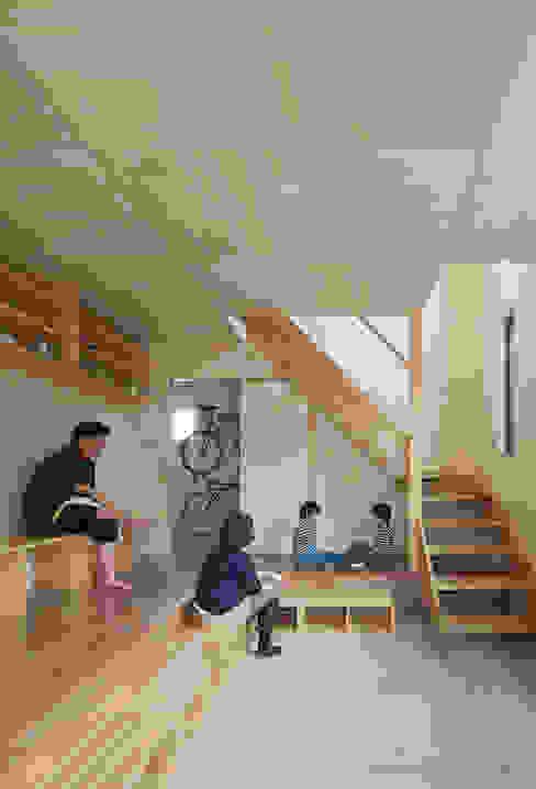 โดย 松岡健治一級建築士事務所 มินิมัล แผ่นไม้อัด Plywood