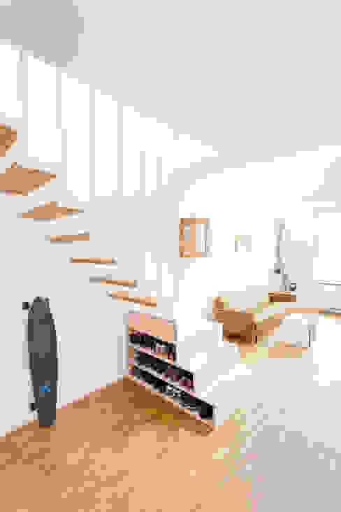 Salones de estilo moderno de Jan Tenbücken Architekt Moderno