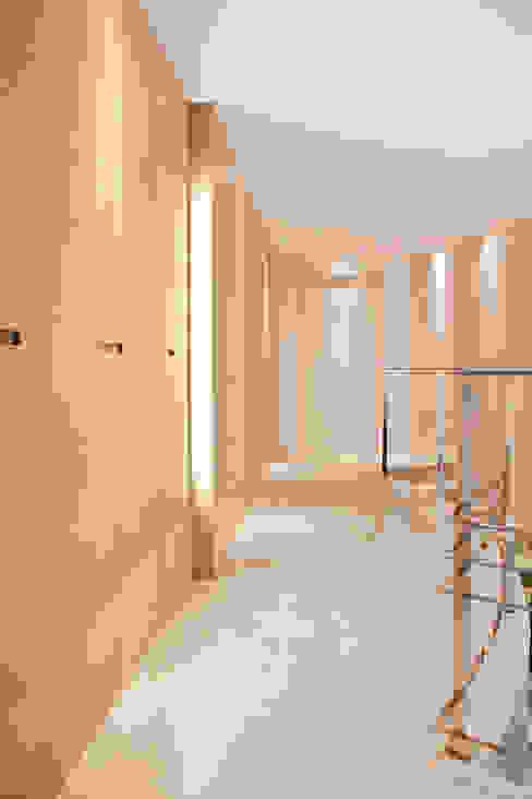 Rovere tinto corda per pavimenti e pareti Pareti & Pavimenti in stile minimalista di Semplicemente Legno Minimalista Legno Effetto legno
