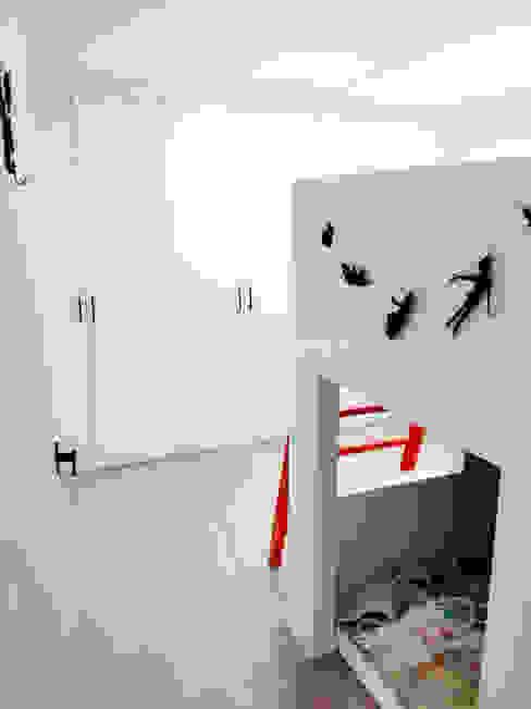 Phòng trẻ em phong cách hiện đại bởi 퍼스트애비뉴 Hiện đại