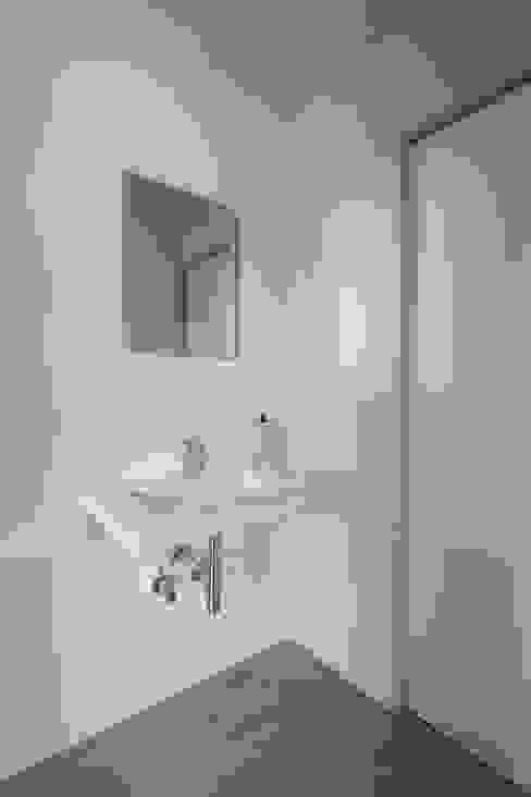 모던스타일 욕실 by 一級建築士事務所 本間義章建築設計事務所 모던