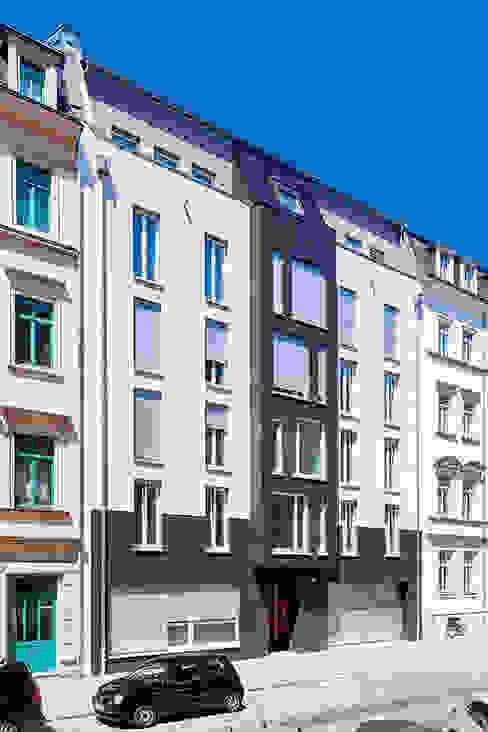 Modern windows & doors by Hildebrandt Architekten Modern