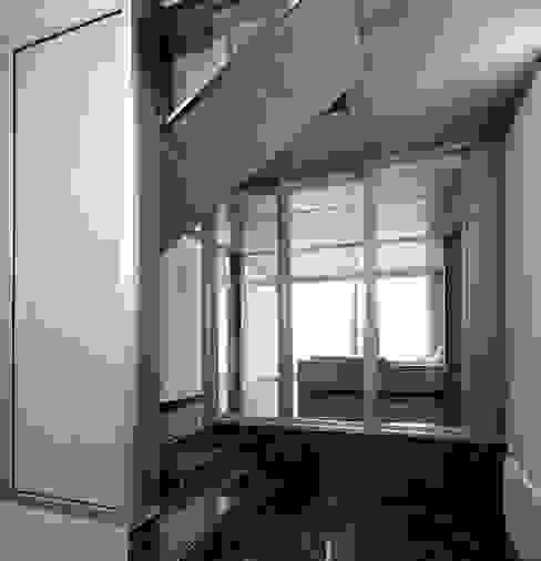 VIVIENDA EN CASTELLAR Comedores de estilo moderno de daia arquitectes slp Moderno