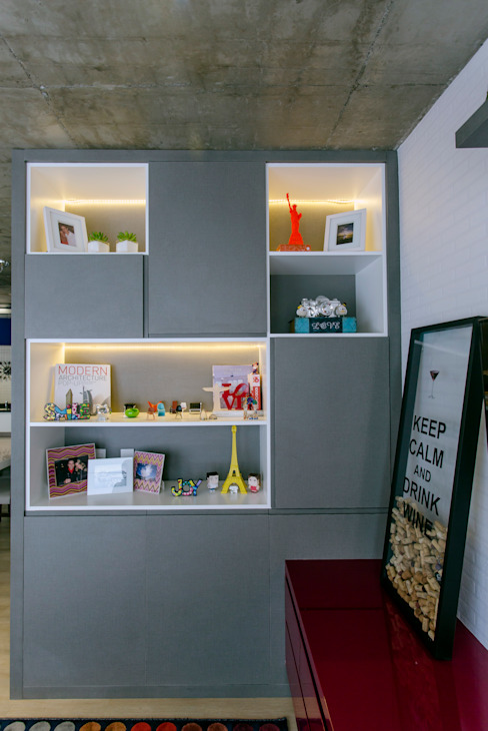 Salones de estilo moderno de Adriana Pierantoni Arquitetura & Design Moderno