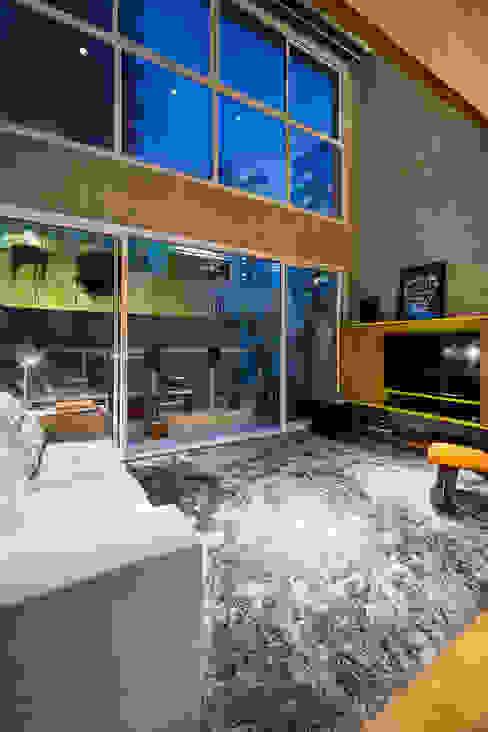 Salas / recibidores de estilo  por Casa100 Arquitetura, Moderno