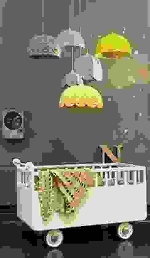モダンデザインの 子供部屋 の Hilal Tasarım Mobilya モダン