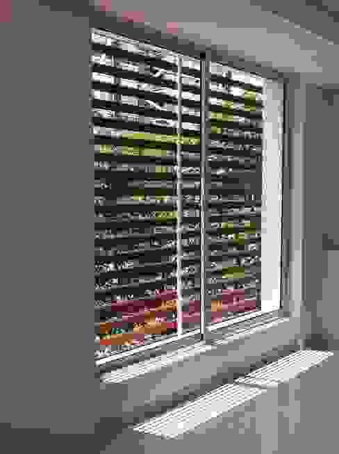 homify Classic windows & doors Aluminium/Zinc White