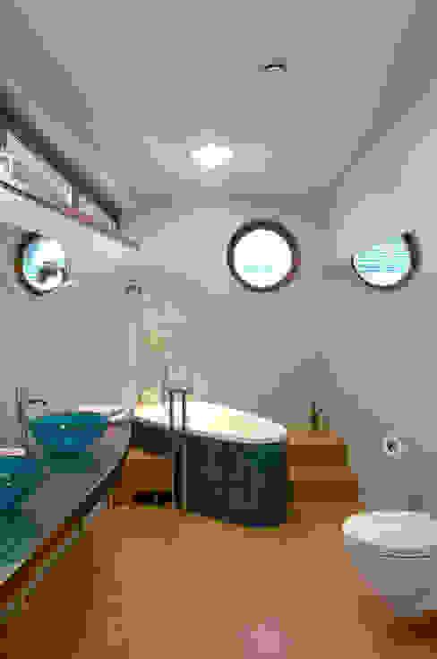 Moderne Badezimmer von Duende Dominika Brodnicka Modern