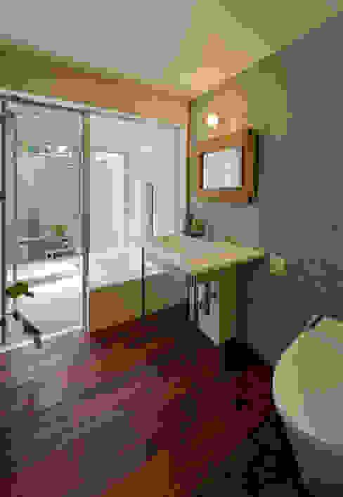 Baños de estilo asiático de アール・アンド・エス設計工房 Asiático