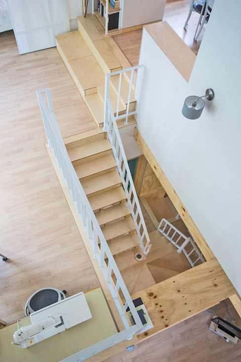 Balcon, Veranda & Terrasse modernes par (주)유타건축사사무소 Moderne Bois Effet bois