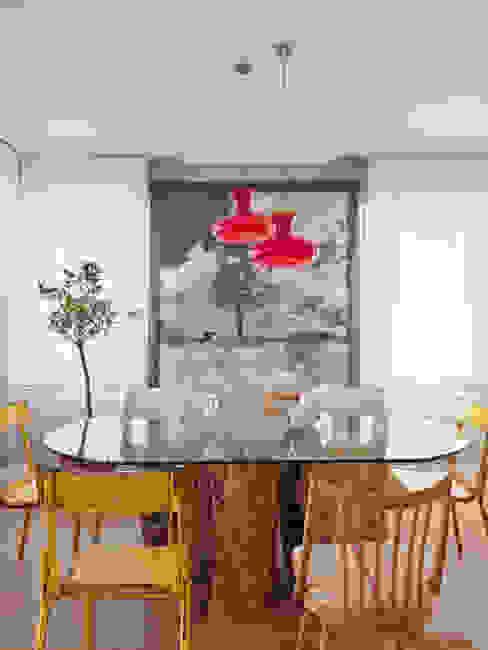Salas de jantar ecléticas por BELEN FERRANDIZ INTERIOR DESIGN Eclético