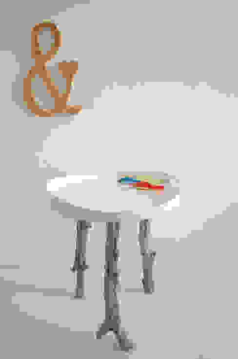 Projekty,   zaprojektowane przez homify, Skandynawski Drewno O efekcie drewna