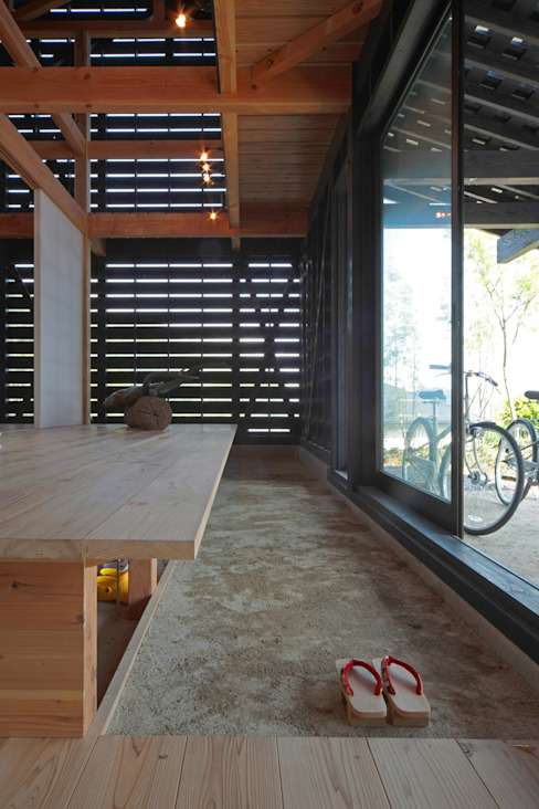 Modern Walls and Floors by 株式会社 ナウハウス Modern Wood Wood effect