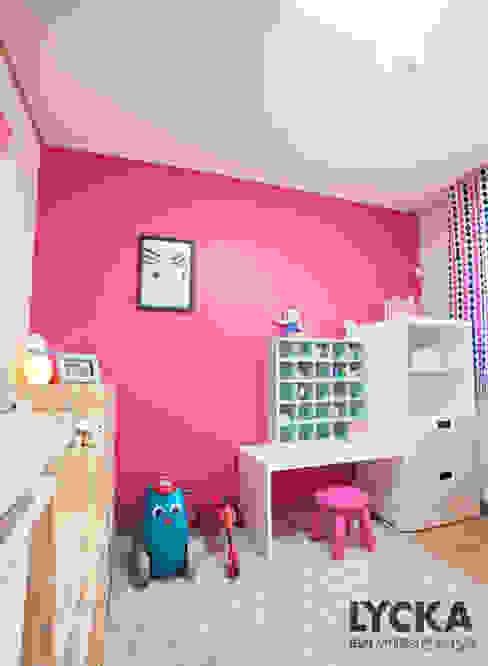 Chambre d'enfant scandinave par LYCKA interior & styling Scandinave